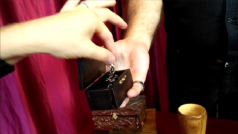 Perfect VanishRing Box by Marco Silverii & Strixmagic