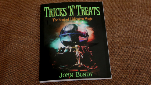 Tricks 'N' Treats by John Bundy - Libro