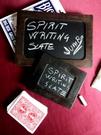 Spirit Writing Slate by Strixmagic - Lavagna spiritica close up
